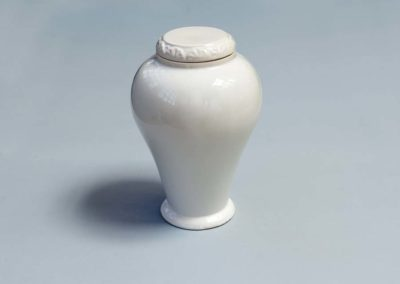 керамична бяла без кръст